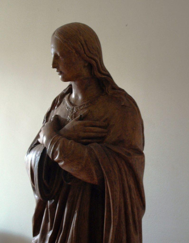 Las primeras Hermanas pronunciaron su consagración secreta en 1818 ante esta estatua.